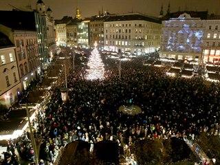 Rozsvícení vánočního stromu na brněnském náměstí Svobody doprovázené...