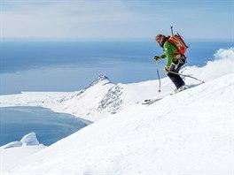 Úchvatné lyžařské lokality na Špicberkách jsou dosažitelné pouze malou lodí.