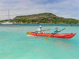 Dovolená na jachtě na Seychelách je vhodná i pro rodiny s dětmi.
