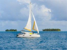 Plavba v klidné laguně proslulého ostrova Bora Bora