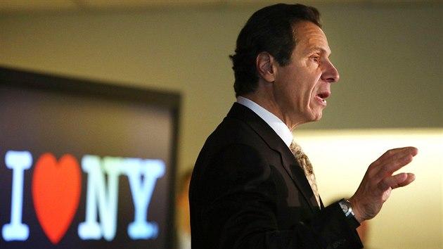 Guvernér New Yorku sexuálně obtěžoval ženy. Biden ho vyzval k odstoupení