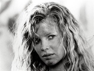 Kim Basinger (No Mercy, 1986)