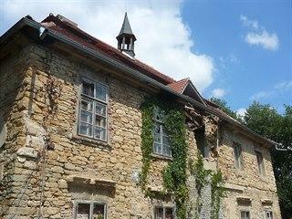 Čertousy. Chmurný osud budovy, která zkraje 15. století patřila staroměstskému...