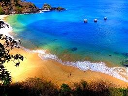 Pláž Praia do Sancho, Pernambuco, Brazílie