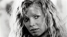 Kim Basinger (No Mercy, 1986)
