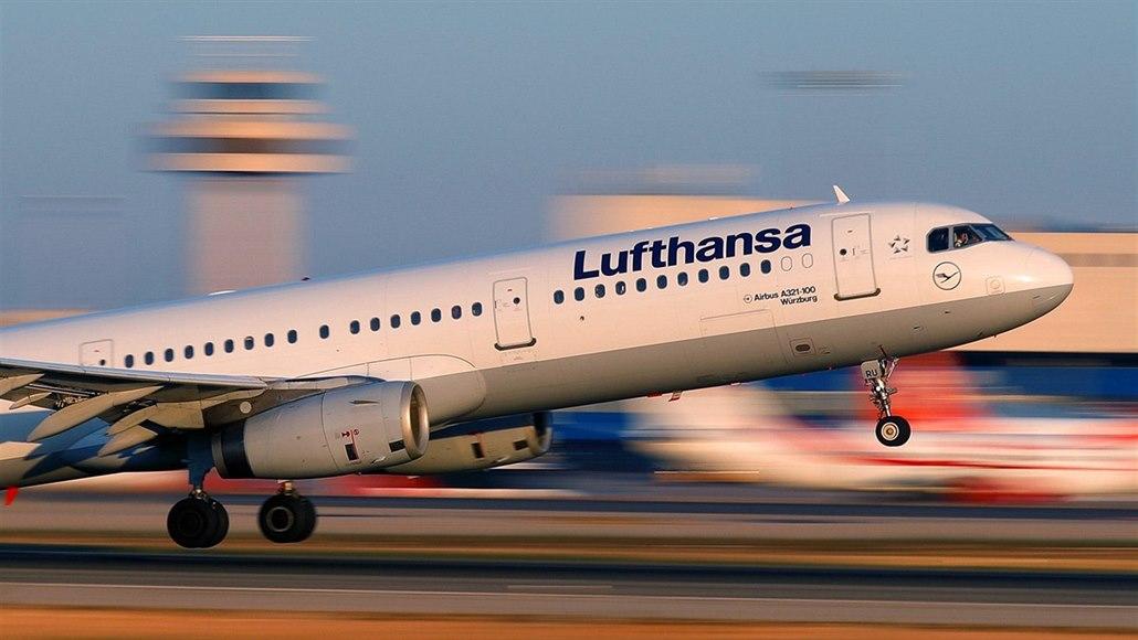 Lufthansa sází na očkování. Přidává do letového řádu prázdninové destinace