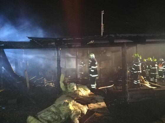 Sboru dobrovolných hasičů ve Svinčanech shořela hasičárna.