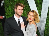 Liam Hemsworth a Miley Cyrusová (2012)