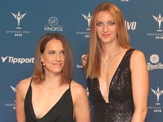 Petra Kvitová (vpravo) a Barbora Strýcová před vyhlášením ankety Sportovec roku