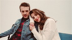 75700a35a8a Jen a Sara Sandeva při natáčení klipu k písni Vyprávím
