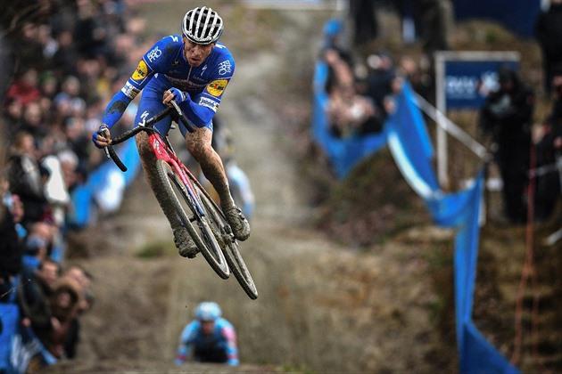 Campionatele de ciclocross acasă de la Sfântul Deal vor merge și ele pe Štybar