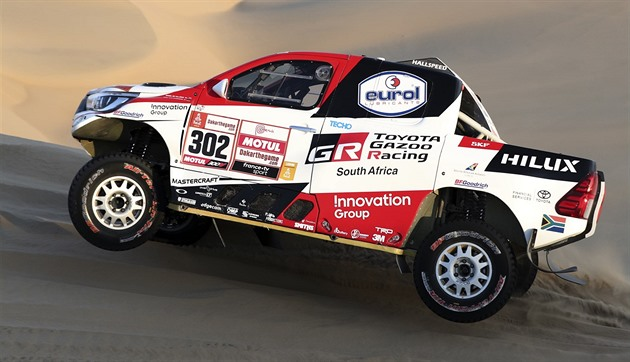 Prokop la Raliul Dakar sare în primii zece, conduce de Villiers