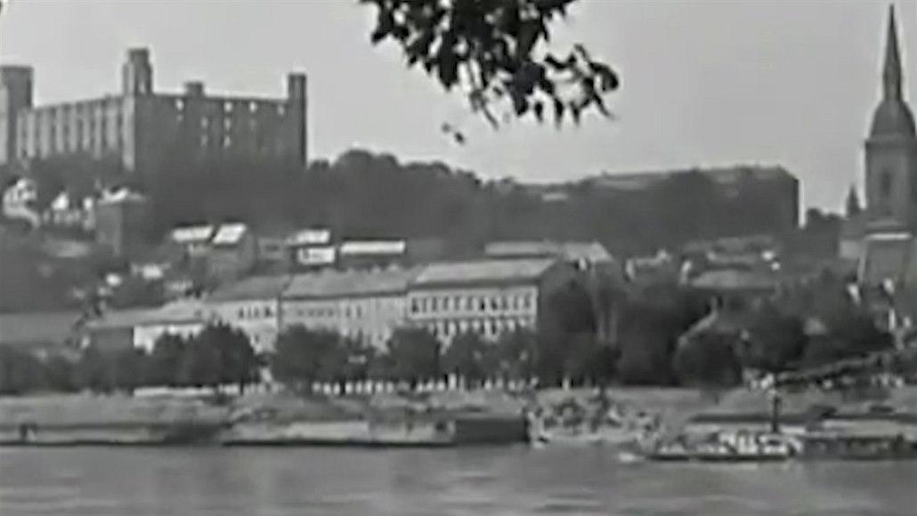 Slovenská republika rad vydržela komunistům jen tři týdny