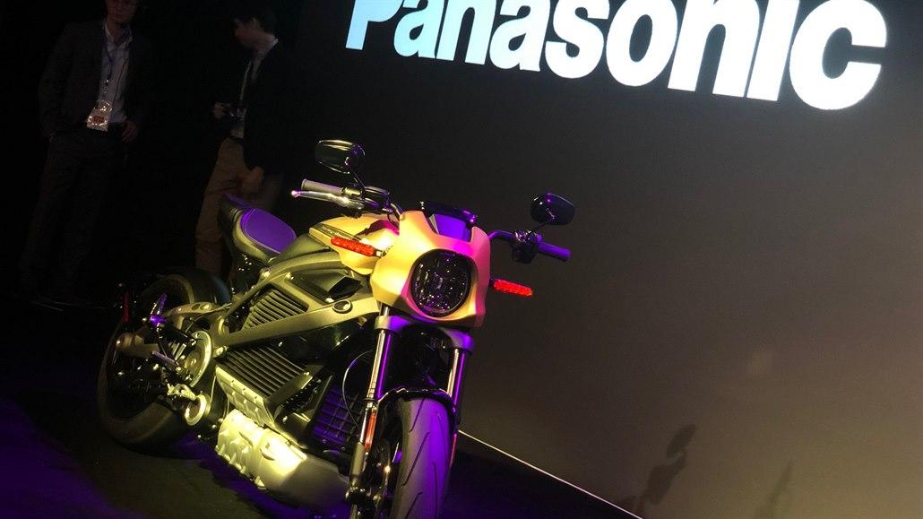 Panasonic představil první elektrickou motorku Harley-Davidson