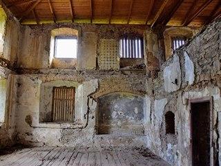 Kapucínský klášter má poměrně nové zastřešení, jinak však zůstává v žalostném...