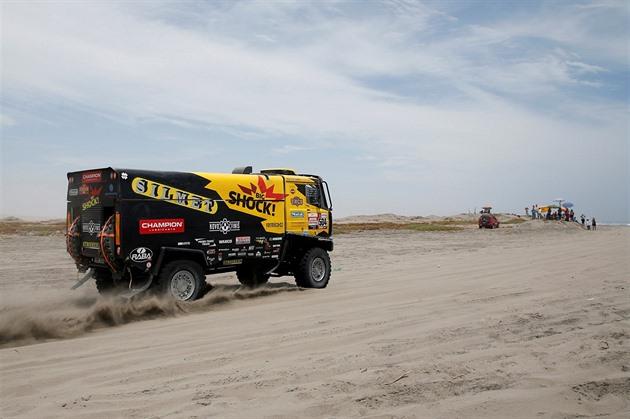 Macie a terminat pe locul doi printre camioanele de pe Dakar, terminând pe locul patru