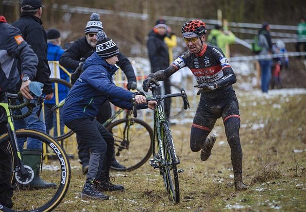 Mafie ciclocross, tunind Hekele. A pierdut medalia cehă în depozit