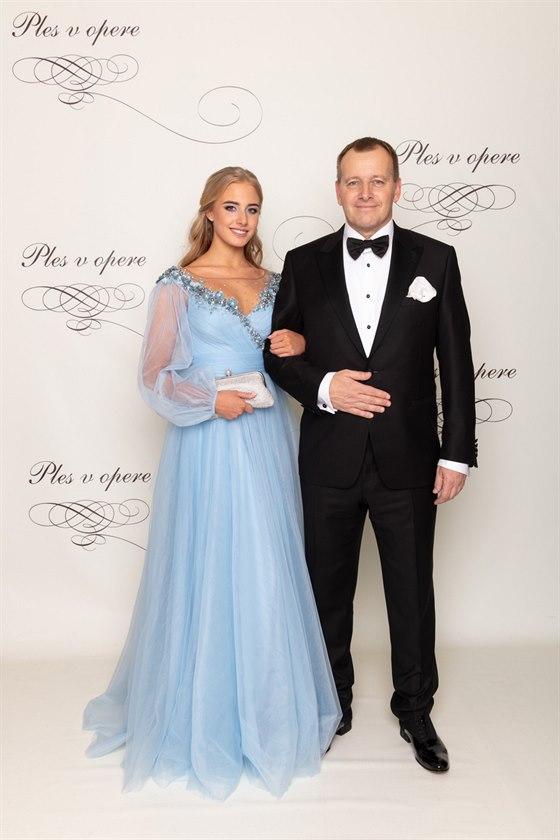 0dde9531b85e Bývalý podnikatel a politik Boris Kolár a jeho dcera Alexandra Horňáková na.