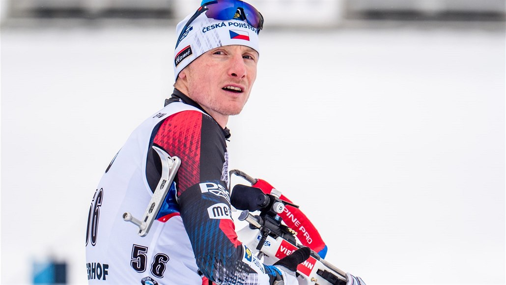 ONLINE: Kvartet českých biatlonistů jede v Oberhofu sprint. Jak si vedou?