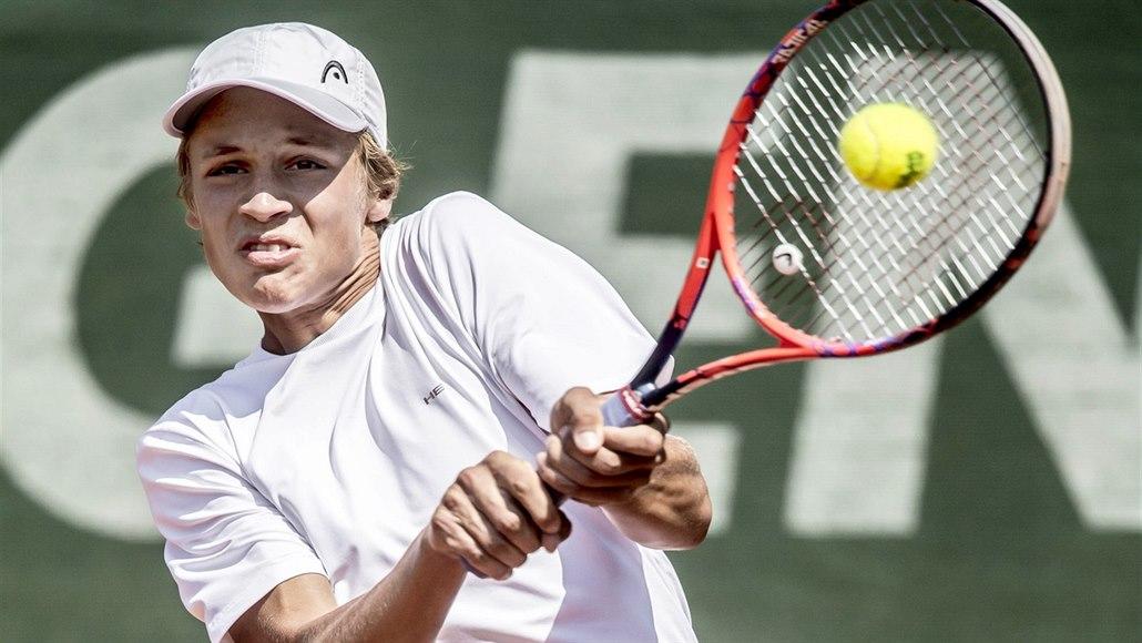 Čeští mladíci Forejtek a Lehečka vyhráli ve Wimbledonu čtyřhru juniorů