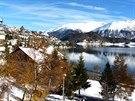 Svatý Mořic na břehu jezera Moritzer See je nejstarší alpskou turistickou...