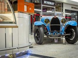 Instalace výstavy Žijeme Bugatti Instalace výstavy Žijeme Bugatti ... d68916c6ac
