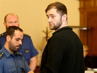 Josef Kopriva je obviněný, že se pokusil zabít Františka Divokého tím, že jej...