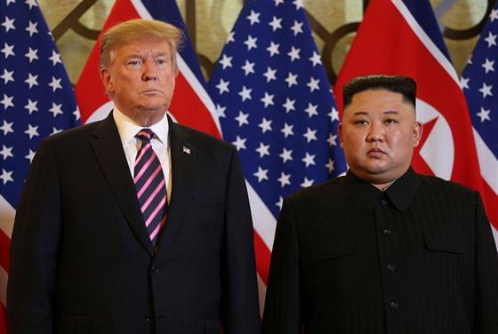 Americkı prezident Donald Trump na setkání se severokorejskım vùdcem Kim...