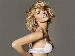 OBRAZEM  Herzigová v pětačtyřiceti nafotila kampaň na spodní prádlo ... 42feac2a6c