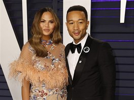 Chrissy Teigenová a John Legend na Vanity Fair Oscar Party (Los Angeles, 24....