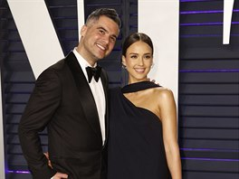 Cash Warren a Jessica Alba na Vanity Fair Oscar Party (Los Angeles, 24. února...