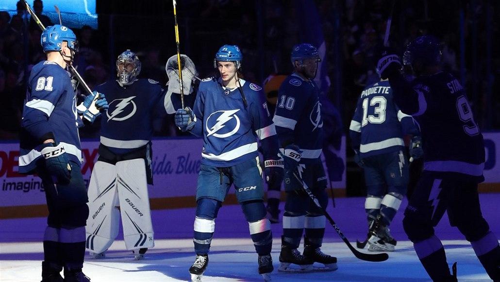 Tampa slaví triumf v základní části NHL, Vegas rozneslo San Jose