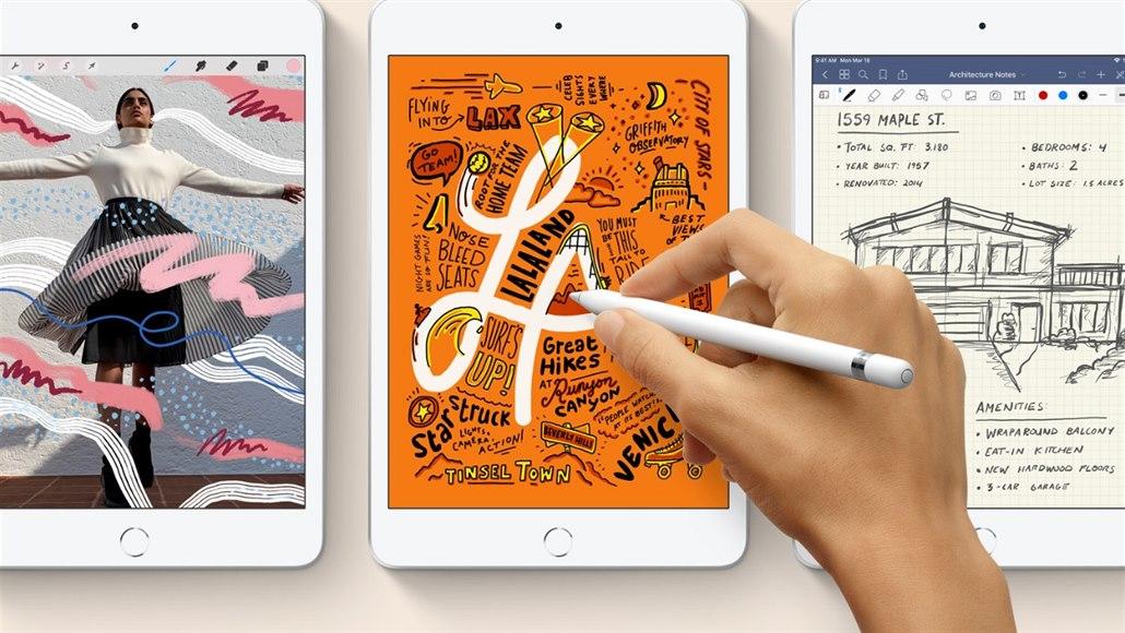 8bd2b9114 Apple inovoval malý tablet. Trvalo to čtyři roky - iDNES.cz