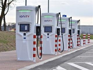 Nabíječky elektromobilů sítě Ionity