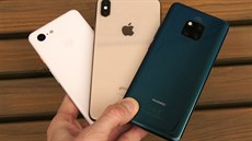 Apple iPhone XS Max, Google Pixel 3 a Huawei Mate 20 Pro