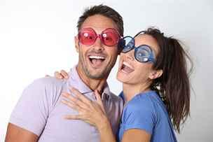 Dvojitý rande je totiž protkáno trapnými sexuálními vtipy, kterým jsou.