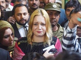 Češka Tereza Hlůšková krátce poté, co jí pákistánský soud poslal na 8 let a 8...