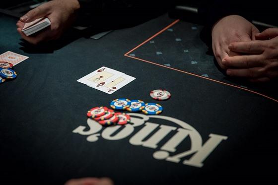 Poker seznamovací služba