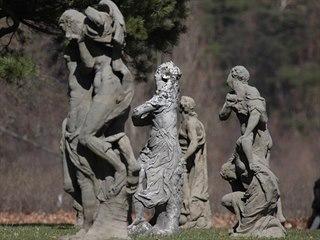 Sochy z dílny barokního sochaře Matyáše Bernarda Brauna a jeho synovce Antonína...