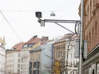 Vjezd do parkovací zóny v centru Brna už například v Rašínově ulici začínají...