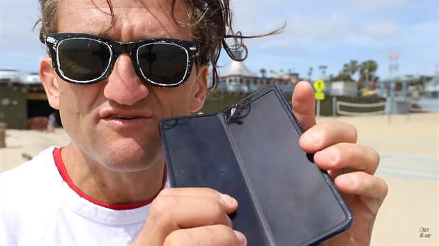 Nová doba. Revoluční mobil dostávají jako první celebrity