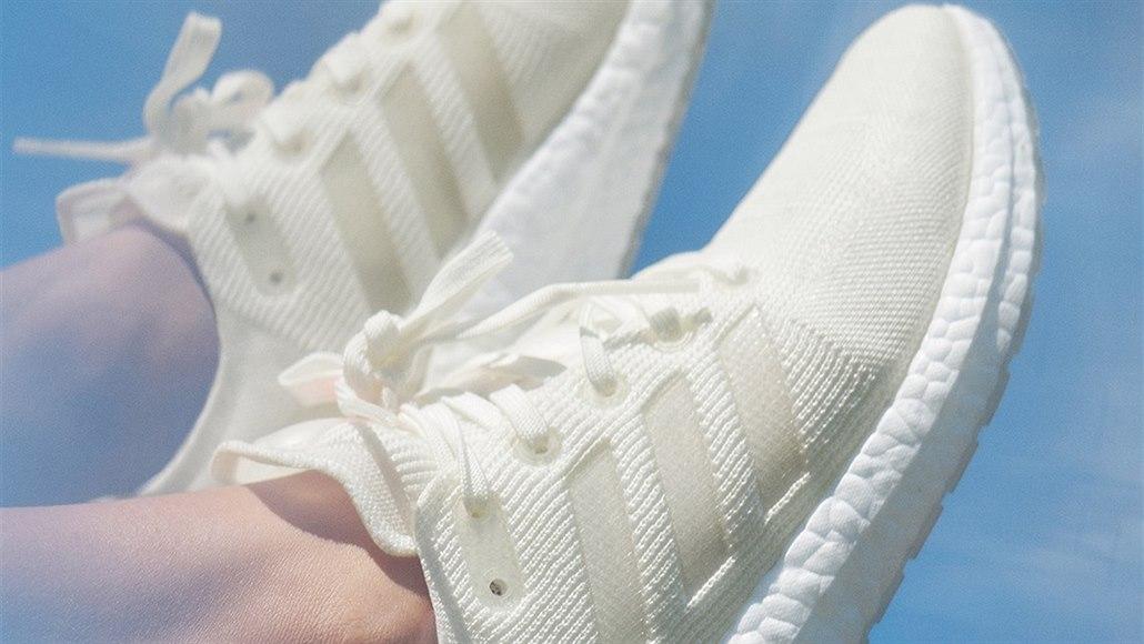 8d957d832c Firma Adidas představila plastové běžecké boty Futurecraft.