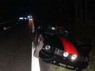 Řidič Fordu Mustang v noci na neděli na pomezí Vyškovska a Hodonínska při úniku...