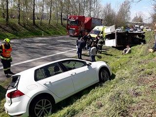 Nehoda osobního auta a dodávky u Cerekvice nad Loučnou.