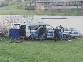 V Šáreckém údolí v Praze našli mrtvolu ženy ze Žižkova
