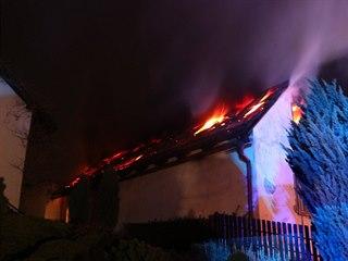 Požár rodinného domu v Třebechovicích pod Orebem (13. 4. 2019)