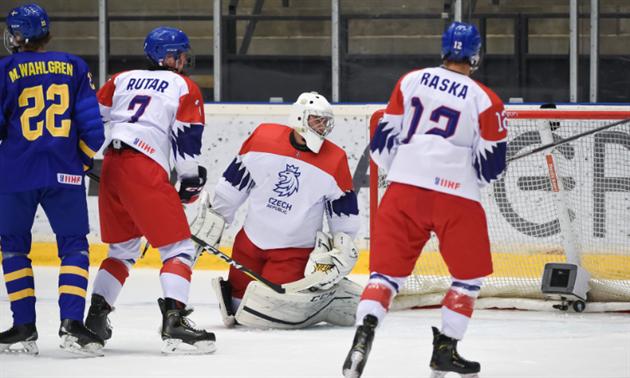 47fe21ada0876 Švédové nad síly mladíků. Hokejová osmnáctka končí ve čtvrtfinále ...