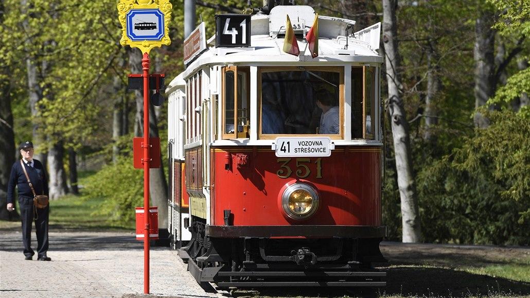 Tramvaj poprvé zacouvala do Stromovky, linka bude v provozu do listopadu