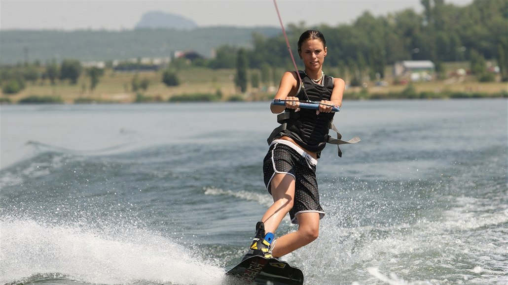 Jezero Matylda u Mostu zůstane pro rekreanty otevřené až do konce prázdnin