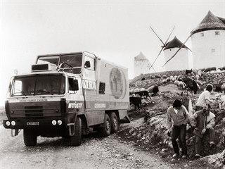 Expedice Tatra kolem světa u větrných mlýnů ve Španělsku (1987)